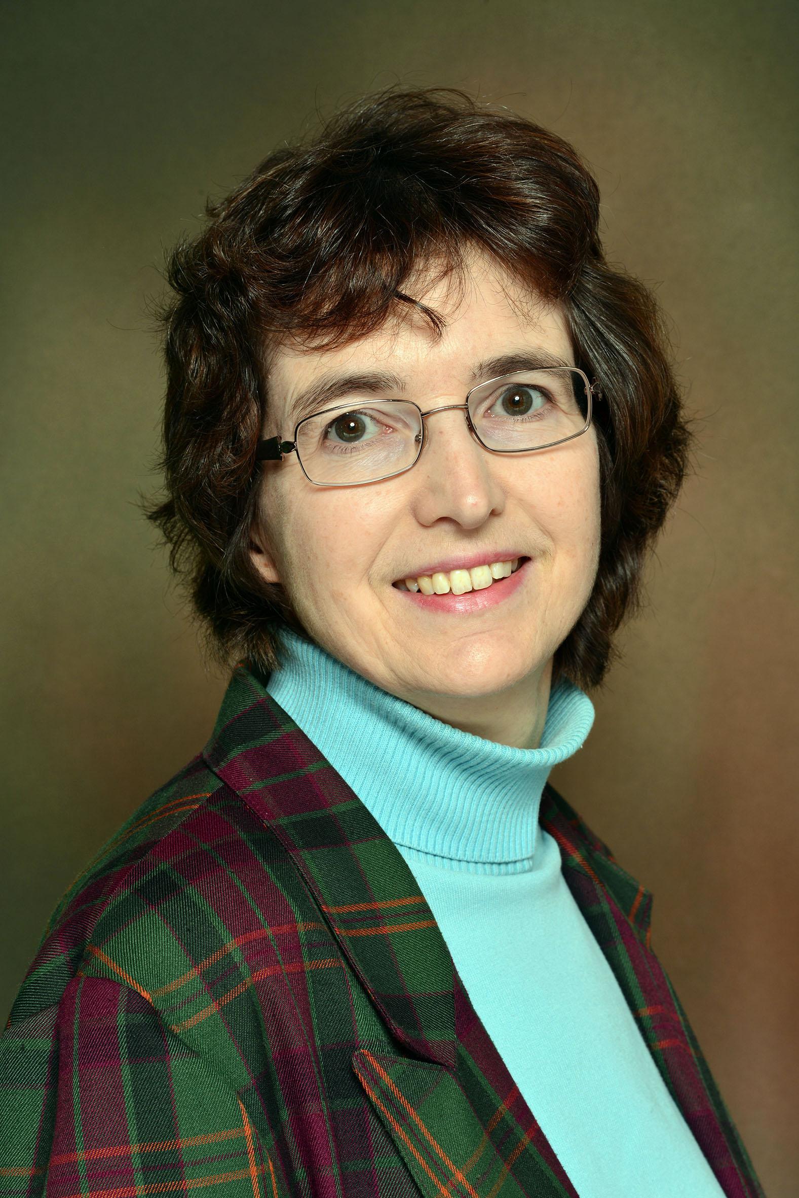 Dr Linda Farmer