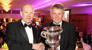 Dr Sinclair Mayne, AFBI CEO receives the Belfast Telegraph Award from Mr Barclay Bell, Ulster Farmers Union. Photo courtesy of Belfast Telegraph.