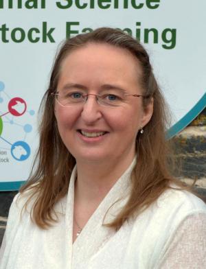 Dr Elizabeth Magowan