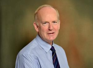Dr Sinclair Mayne